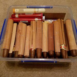 Châm lửa xì gà bằng đóm