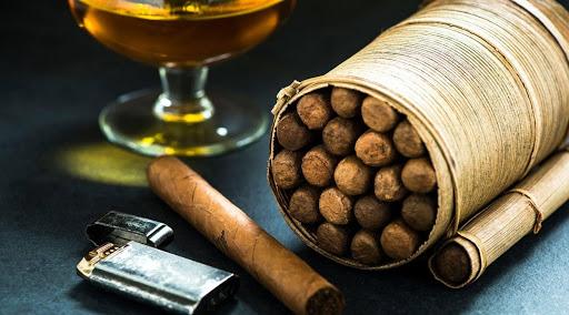 Xì gà luôn có trong túi của những tín đồ muốn thưởng thức vị thơm ngon, mới lạ